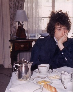 "Bob tries to find inspiration over a coffee..... come on Bob, Noel Gallagher sat at the same table and wrote ""Roll With It"""