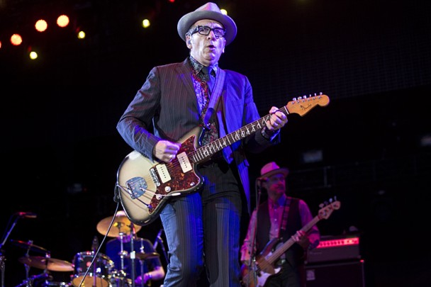 ElvisCostello_07-608x405